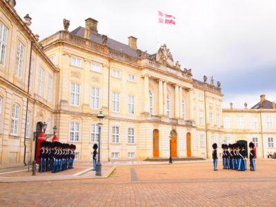 アメリエンボー宮殿の衛兵交替式