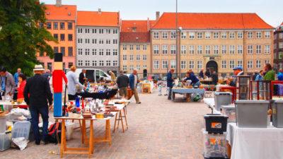 デンマークのトーヴァルセン広場アンティークマーケット