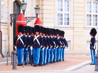 アマリエンボー宮殿の衛兵交替式