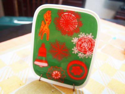 マリメッコのクリスマス柄トレー
