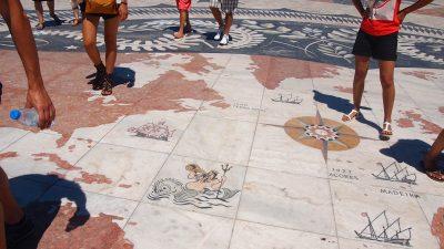 大理石の世界地図