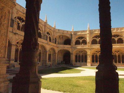 ジェロニモス修道院の中庭