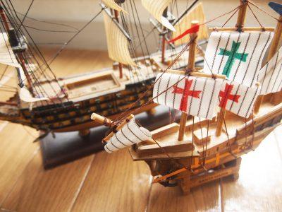 船のミニチュア模型