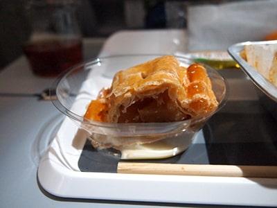 ルフトハンザ機内食アップルシュトゥルーデル