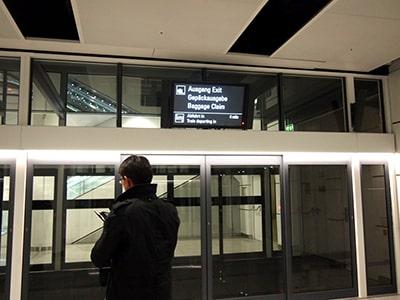 ミュンヘン空港の到着口