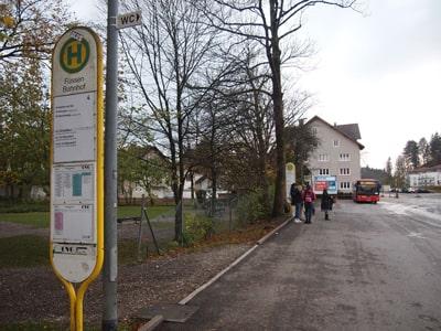 フュッセン駅前のバス停