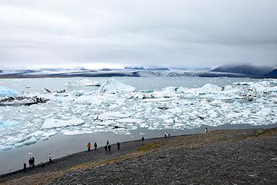 アイスランド最大の氷河湖ヨークルサウルロン