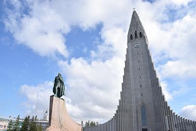 レイキャビクのランドマークハットルグリムス教会