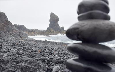 アイスランドのデューパロンサンドゥル・ビーチ