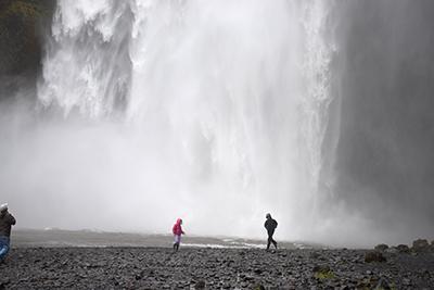アイスランドの滝スコーガフォス