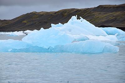ヨークルサウルロン氷河湖クルーズ