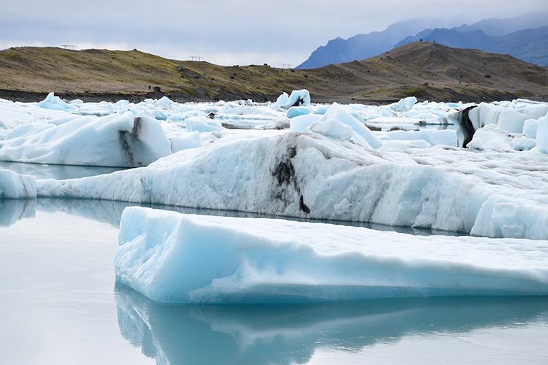 アイスランド一いちの氷河湖ヨークルサウルロン