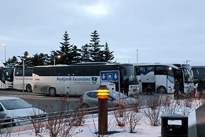 アイスランドの空港から市内へのバス