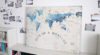 旅行がテーマの結婚式で世界地図メッセージボード