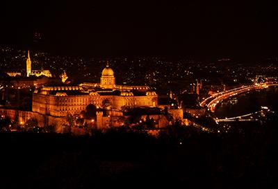 王宮の丘のライトアップ