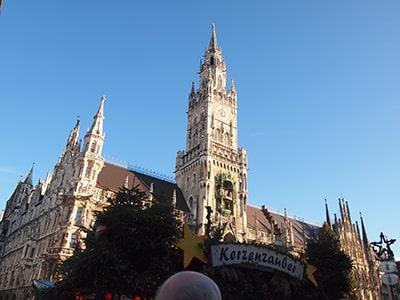 ミュンヘン新市庁舎マリエン広場から