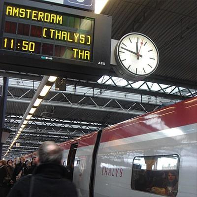 ブリュッセル南駅ホームとタリス