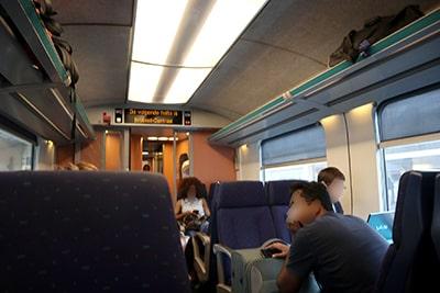 ブリュッセル市内行き列車