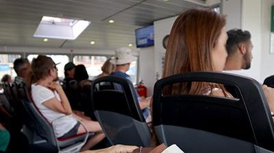 ロッテルダムの水上バス船内