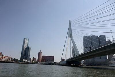 水上バスからのロッテルダム