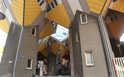 キューブハウス(立方体の家)