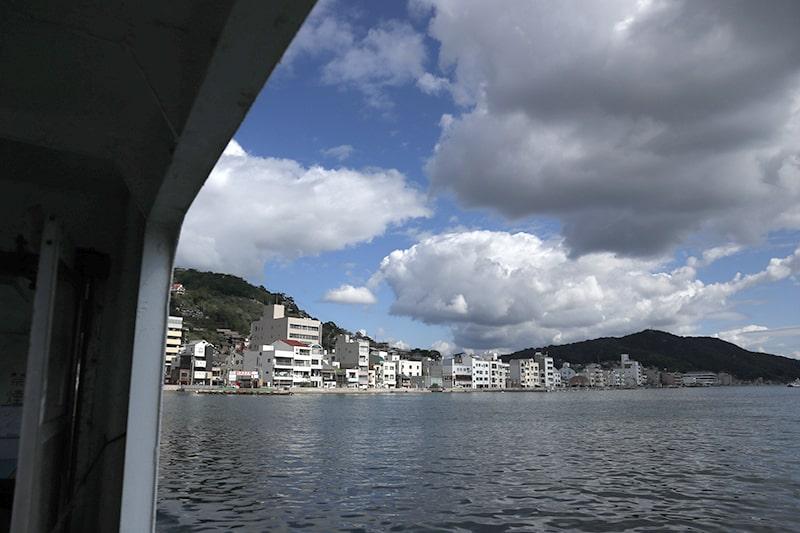 渡船からの尾道水道の景色