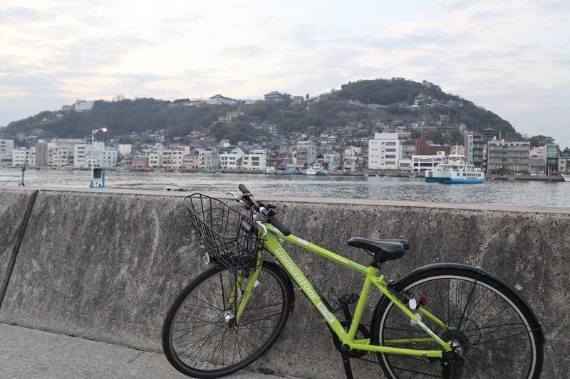 向島から見る尾道市街