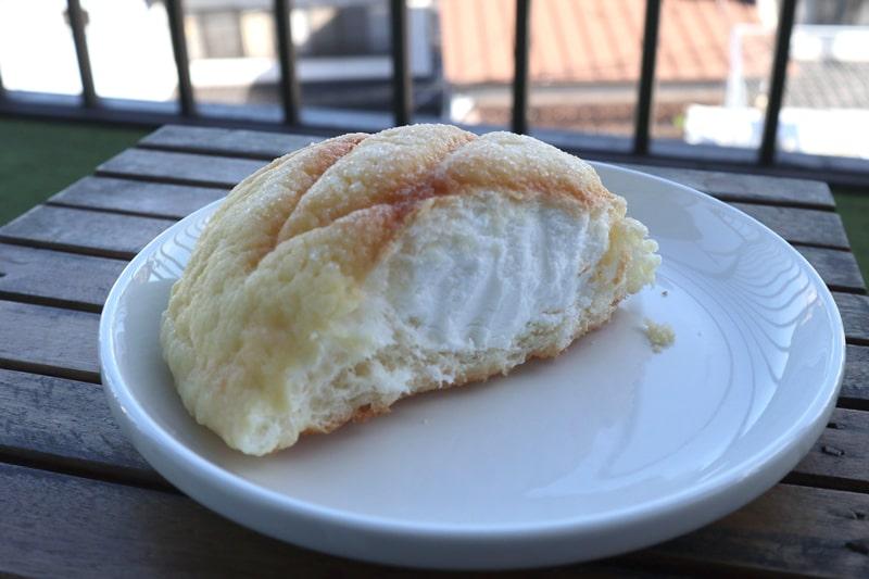 パンのなる木アイスメロンパン