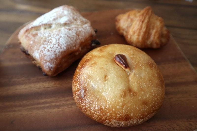 ネコノテパン工場のパン