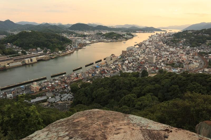 浄土寺山不動岩の夕焼け